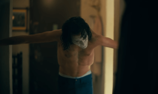 JOKER-Final-Trailer-1-43-screenshot-600x359