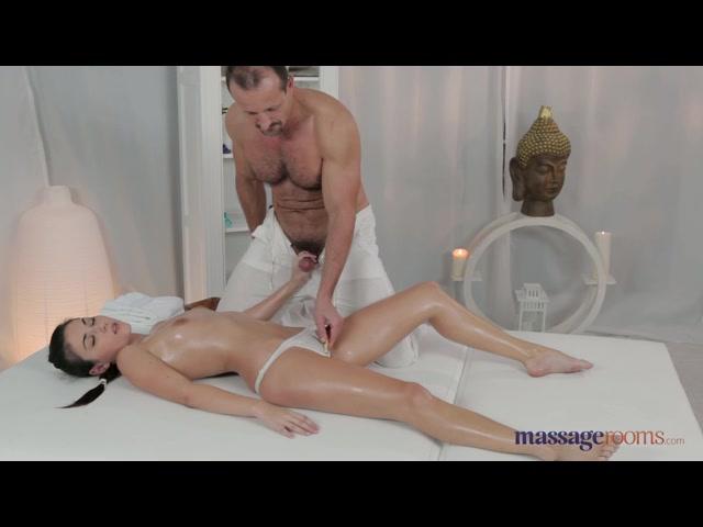 Brunette Slut Gets Her Tight Pussy Plowed After Being Massaged