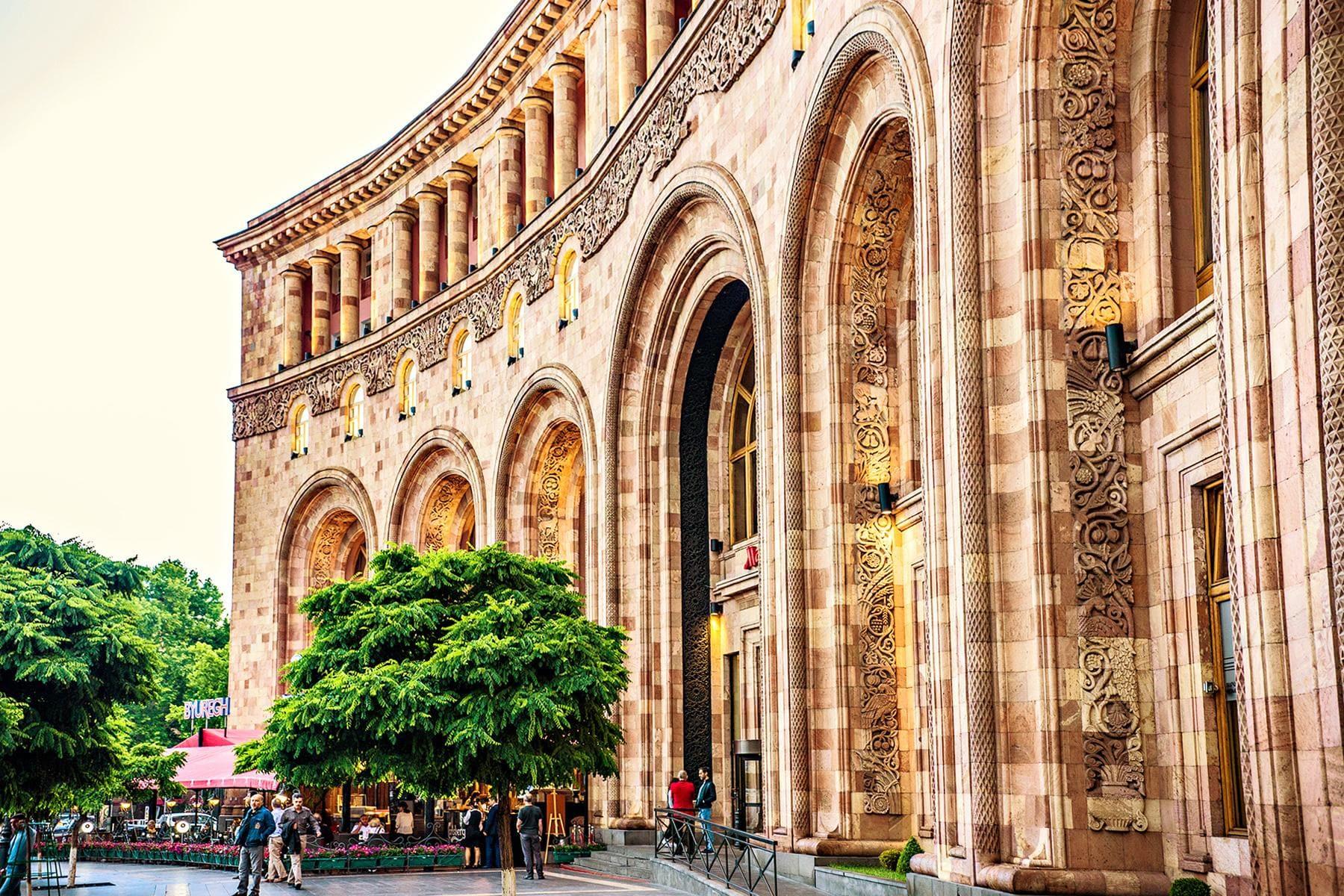 12_YervanArmenia_Hotels_shutterstock_1110207533_1