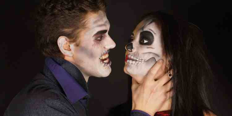 Top 10 Fun Halloween Couples Costumes