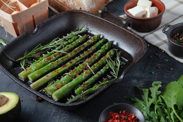 Grilled Asparagus and Garlic