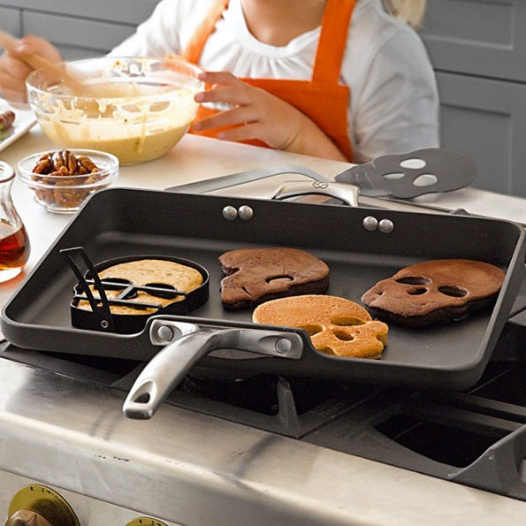 Skull Shaped Pancake Molds Make Death Delicious