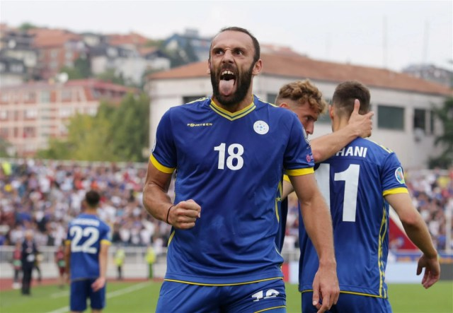Vedat Muriqi celebrating after scoring for Kosovo against Czech Republic