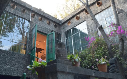 5 museos virtuales mexicanos para disfrutar desde la comodidad de tu asiento - frida-kahlo-640x400