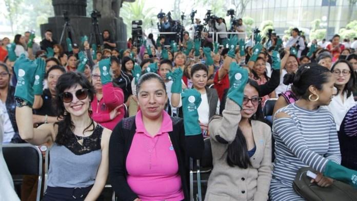 Image result for Senado avala derechos para empleadas domésticas
