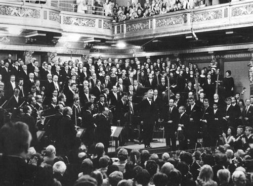 Friedrich Witt nach einem Konzert mit Karajan, noch vor den Zeiten der Philharmonie