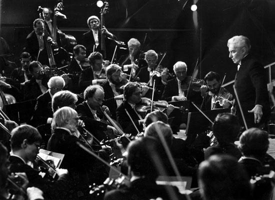 Herbert von Karajan in Salzburg beim Konzert