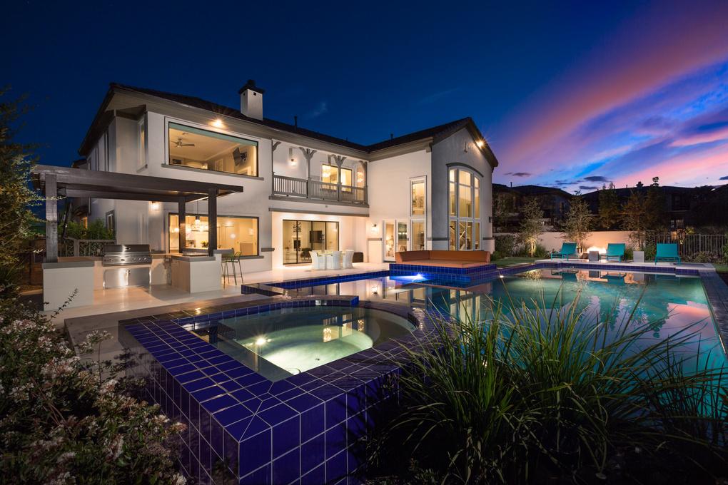real estate photography backyard light
