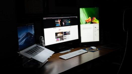 Fstoppers Reviews the BenQ ScreenBar e-Reading Lamp