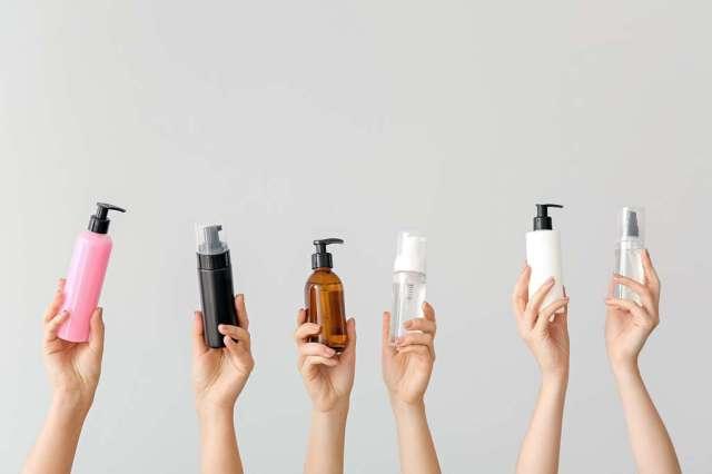 Plus de gel hydroalcoolique en rayon ? Pas de panique, il est possible de le fabriquer soi-même. © Pixel-Shot, Adobe Stock