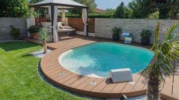 la solution pour profiter pleinement d'une piscine dans un petit jardin