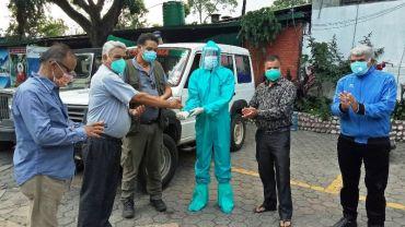 पर्यटन व्यवसायी गणेश भट्टराई र टिकाराम सापकोटाको सक्रियतामा निःशुल्क एम्बुलेन्स सञ्चलनमा