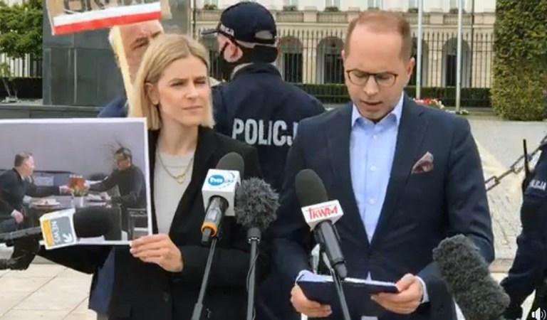 To skandal! Policjanci przeszkadzali posłom wykonywać ich obowiązki podczas konferencji poświęconej oświadczeniom majątkowym Morawieckiego i Szumowskiego.