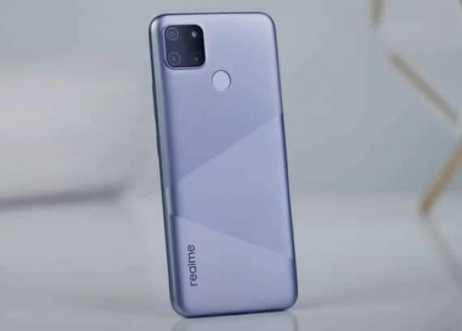 Realme C12 and C15 Launched with LCD Display, Helio G35 SoC and 6,000mAh Battery