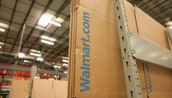 Walmart ditches membership program, tries to best Amazon with free 2-day shipping for all customers