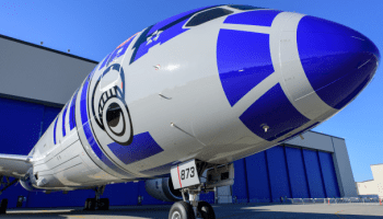 Take a look at the latest pictures from inside that new 'Star Wars' Boeing 787 Dreamliner