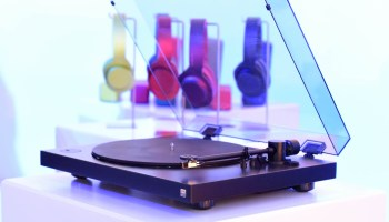 Turntable revival: Sony spins up some high-tech hardware for fans of vinyl records