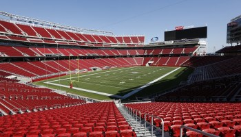 Super Bowl fans use a record 10TB of data on Levi's Stadium WiFi network, up 63% from 2015