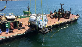 Microsoft dunks prototype data center in the ocean