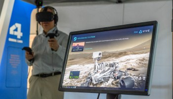 Museum of Flight lets you walk on Mars in virtual reality for SpaceFest