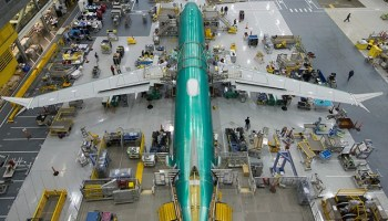 737 MAX assembly