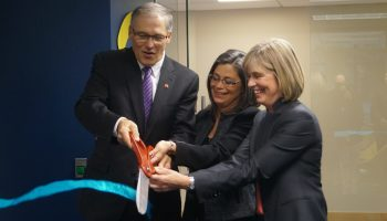 Inside Nohla Therapeutics' new Seattle biotech lab as Gov. Jay Inslee geeks out on science