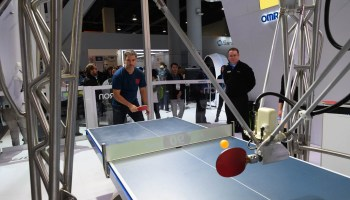 Omron Forpheus Ping Pong Robot – CES 2018