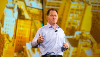 Dell clears up its financial future, will sell shares to public while maintaining stake in VMware