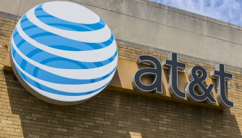 AT&T customers complain of outages in Seattle
