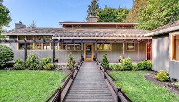 Waterfront Estate on the Shores of Bainbridge Island