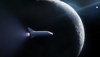 BFR flying around the moon