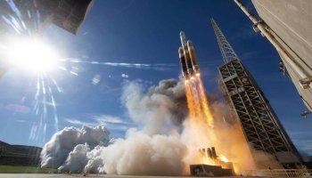 Delta 4 Heavy launch
