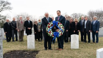 Wreath-laying at Arlington National Cemetery