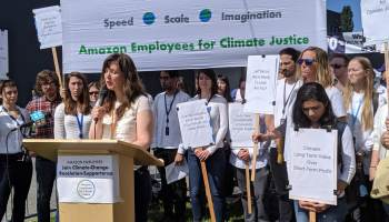 More than 900 Amazon employees plan climate change walkout in solidarity with youth activists