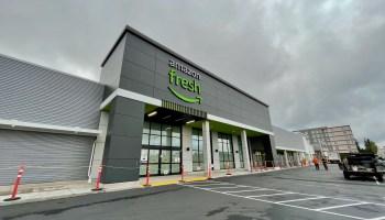 亚马逊在北西雅图广场开设了新的生鲜杂货店;另一个计划在城市南部