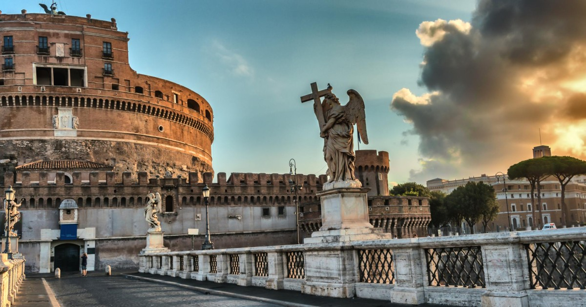 Castel Sant Angelo The Tomb Of Hadrian Guided Small Group Rome Italy Getyourguide