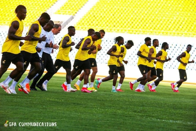 Milovan Rajevac takes charge of first training session in Cape Coast