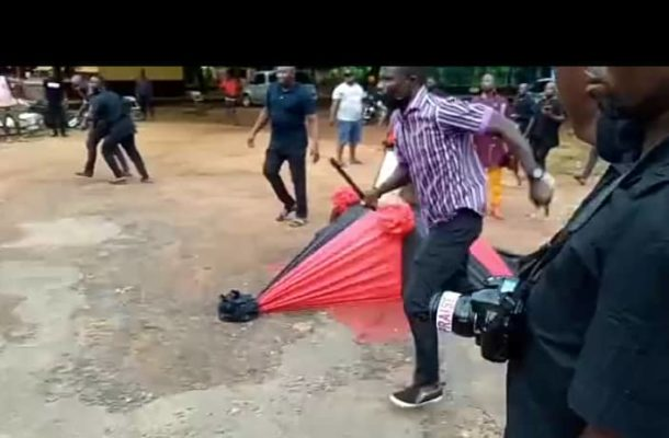 VIDEO: Suhum MP's driver slashes man in the head as NPP supporters clash at  funeral - The Ghana Guardian News