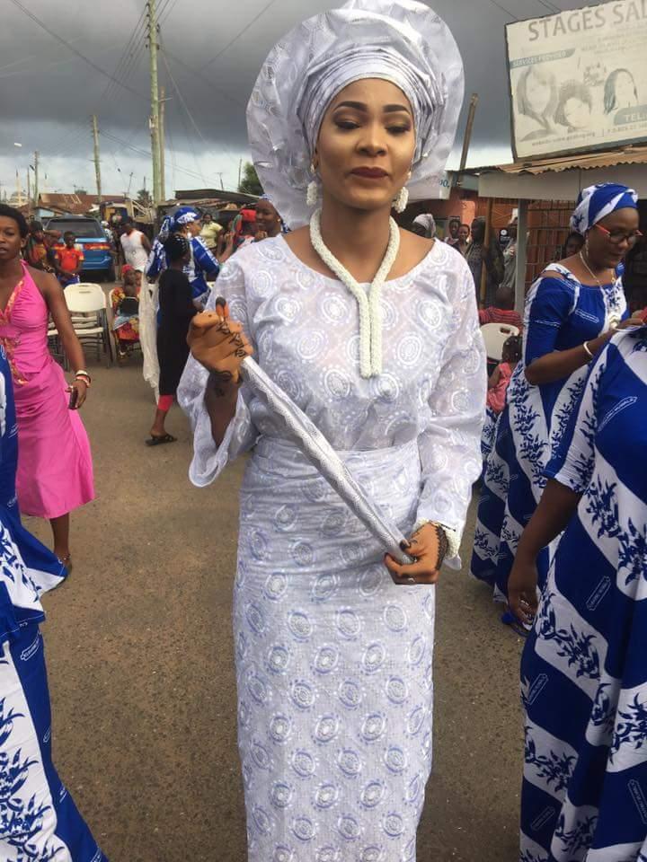hook up Ghana Dominion glazen fles dating