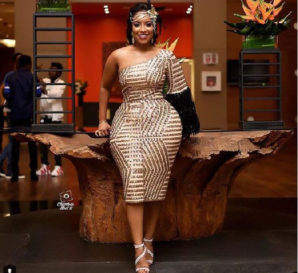 Checkout the 8 decent but stylish Ghanaian female celebrities. 21