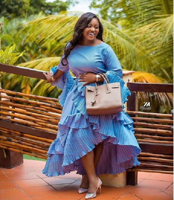 Checkout the 8 decent but stylish Ghanaian female celebrities. 18