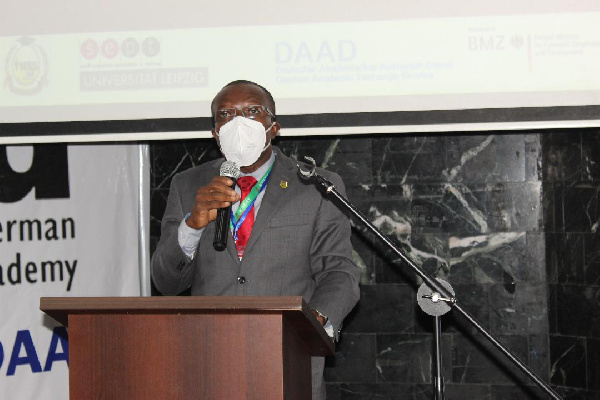 Universities urged to focus on practice-oriented education