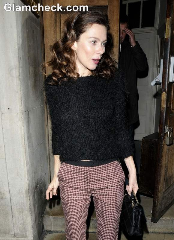 Anna Friel Steps Out In Style