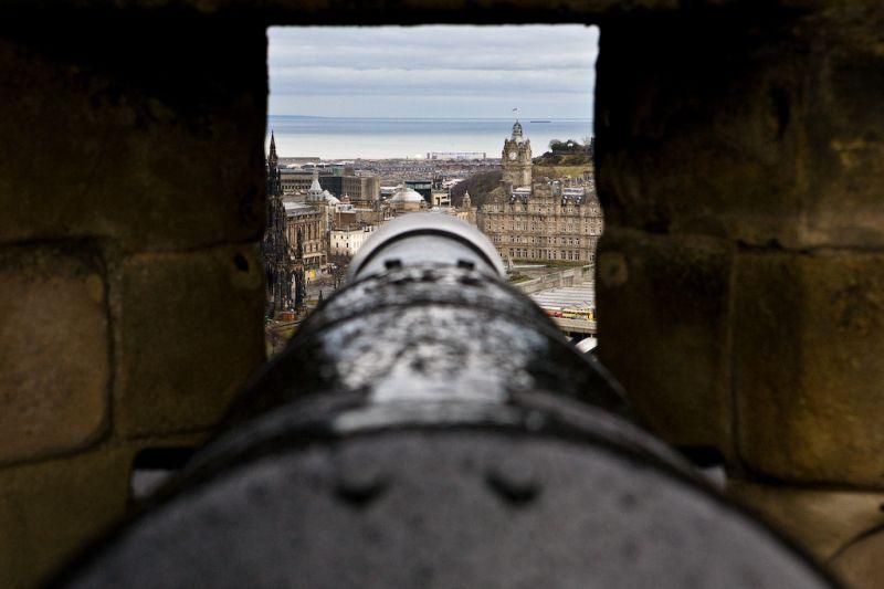 Castle Gun