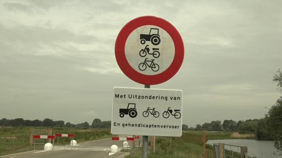 Bron: Omroep Gelderland, http://www.omroepgelderland.nl/nieuws/2136142/Bijna-niemand-weet-wat-deze-borden-betekenen