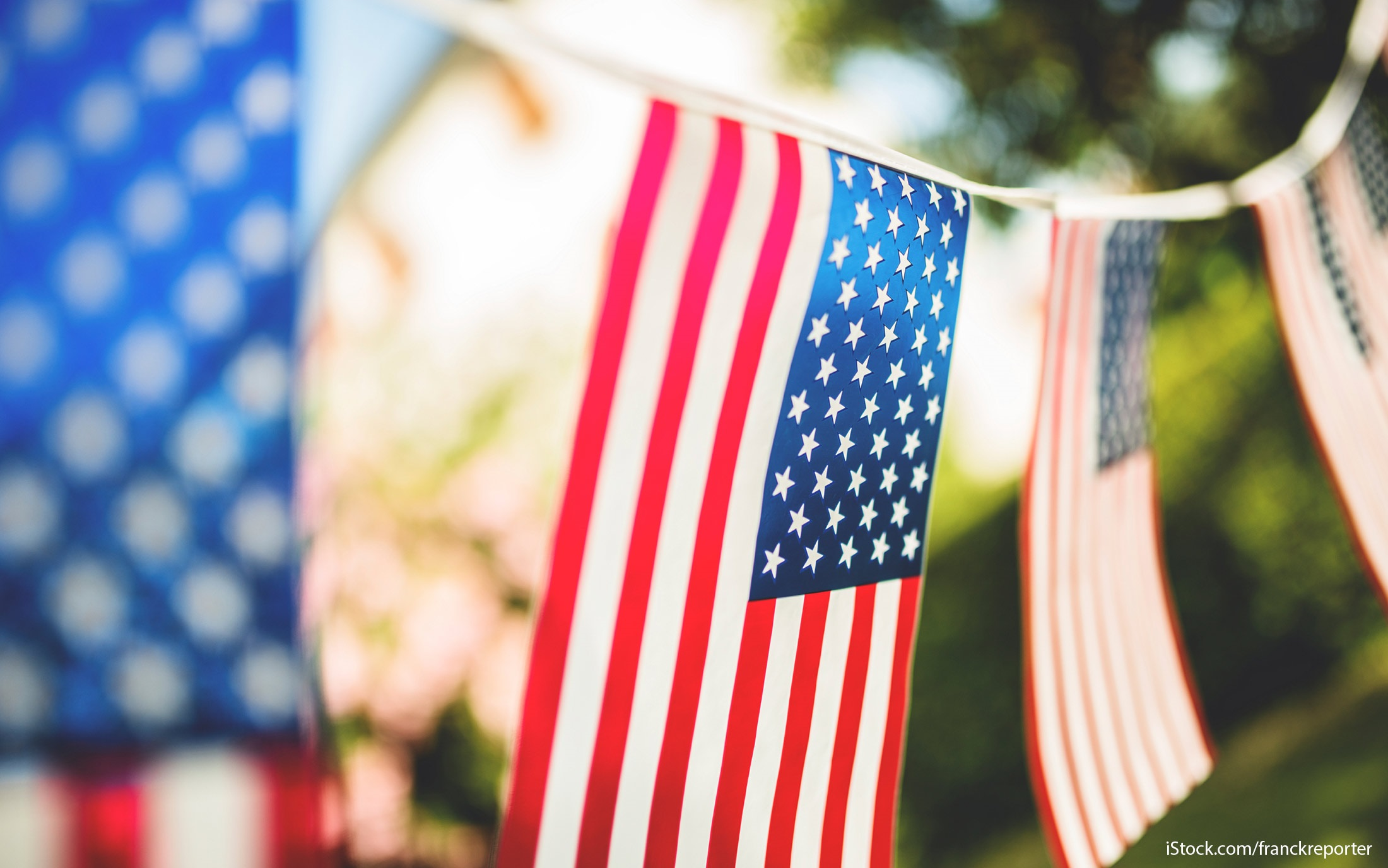 30 memorial day 2016 sales, deals and freebies | gobankingrates