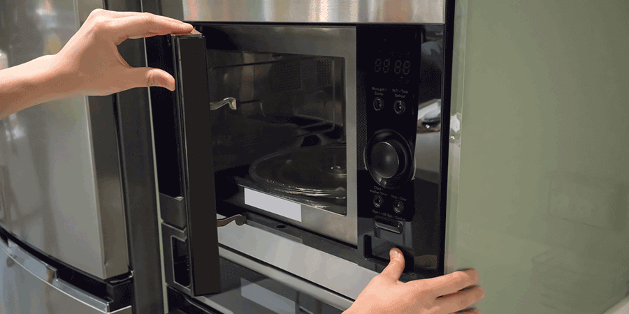 tips on cleaning your commercial microwave