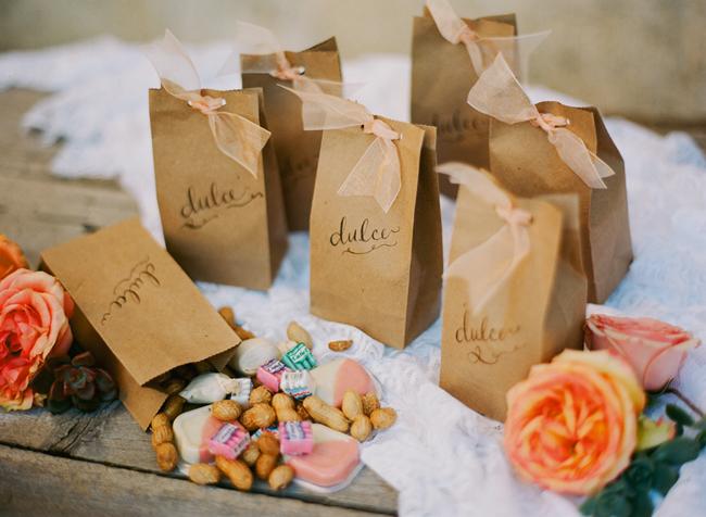 spanish wedding favors
