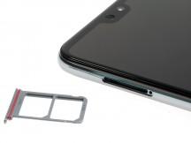 A couple of nano SIMs, no microSD - Huawei P20 Pro review