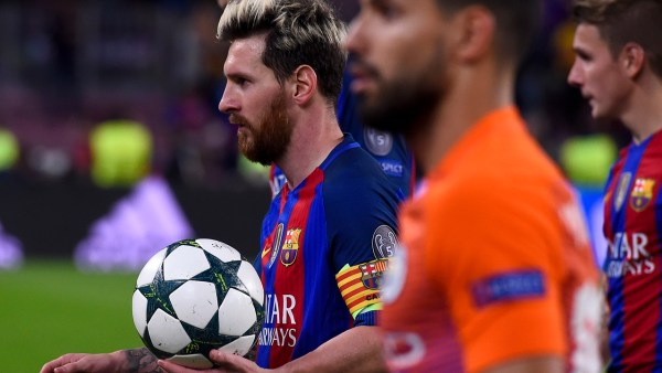 Barcelona's Argentinian forward Lionel Messi leaves the pitch after getting a hat-trick during the UEFA Champions League football match FC Barcelona vs Manchester City at the Camp Nou stadium in Barcelona on October 19, 2016. / AFP PHOTO / JOSEP LAGO